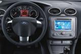 Ford-Focus-06-11-interier-s-OEM-navigaci